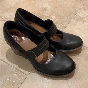 Clarks size 7 ladies dress shoe 👠